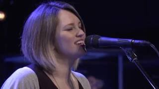 Worship Moment: Back To Life [Spontaneous] - Hannah McClure