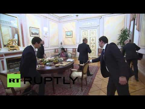 Russia: Putin and Modi exchange gifts over informal dinner