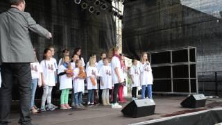 Der Sachsendorfer Kinderchor beim Stadtfest Cottbus 2015
