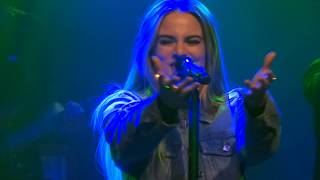 JoJo performing Clovers. and part of When Love Hurts live from the ...