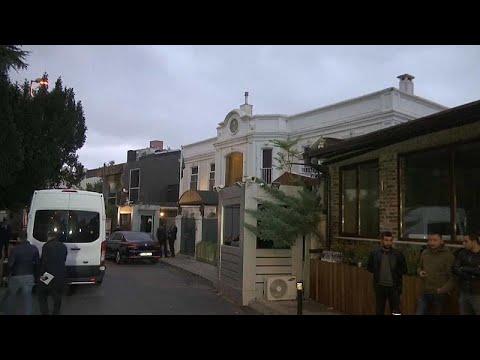 فيديو: المحققون الأتراك يدخلون مقر إقامة القنصل السعودي في اسطنبول …  - نشر قبل 3 ساعة