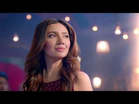 Mahira Khan at  Emporium Mall Lahore HD 1080