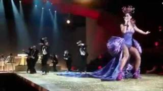 Katy Perry - Firework (Victoria's Secret Fashion Show 2010) Live(Katy Perry - Firework (Victoria's Secret Fashion Show 2010) Live., 2010-12-10T03:47:16.000Z)