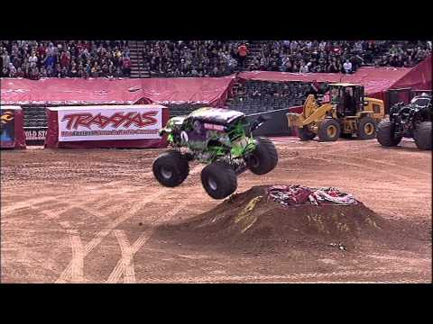 Monster Jam - Grave Digger Monster Truck Freestyle from Phoenix, AZ - 2013