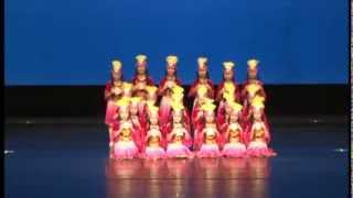聖三一堂小學 - 新疆鼓舞