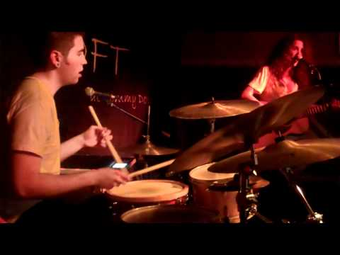 Little Liars Live @ The Loft Tommy Doyles [Brand NEW song]