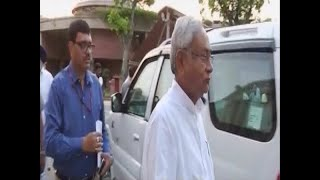 Nitish Kumar avoids media question on Bihar encephalitis death