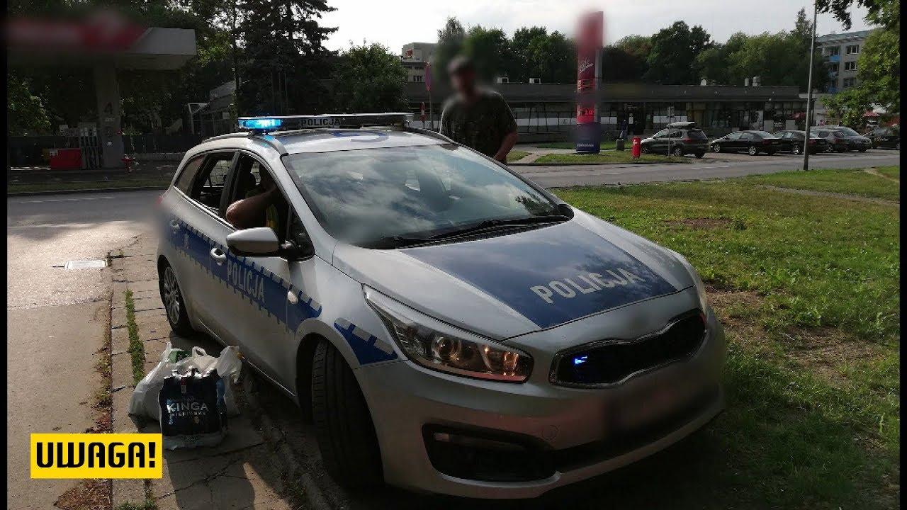 """Zwrócił uwagę policjantom. Na komisariacie usłyszał, że jest """"stary i głupi."""" (UWAGA! TVN)"""