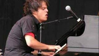 Watch Jamie Cullum Fascinating Rhythm video