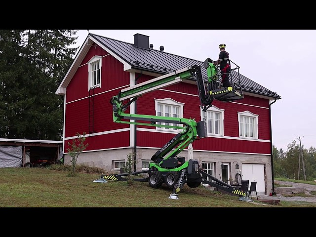 Leguan Lifts in action: Safe roof, antenna and chimney maintenance with Leguan 190 (with trailer)
