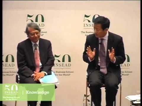 BBC's Nik Gowing moderates at INSEAD's Leadership Summit Asia 2009 - do banks need more regulation?