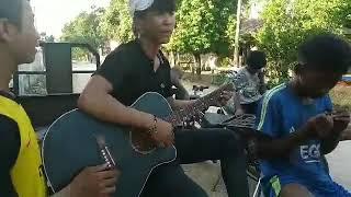 Hồng nhan (Jack) cover guitar trẻ trâu