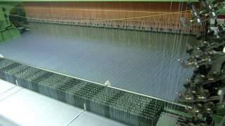 Производство тканых этикеток. Сатин(www.aremitaly.ru Тканые этикетки производятся с помощью жаккардового станка методом сплетения нитей. Тканые..., 2014-06-10T09:11:28.000Z)