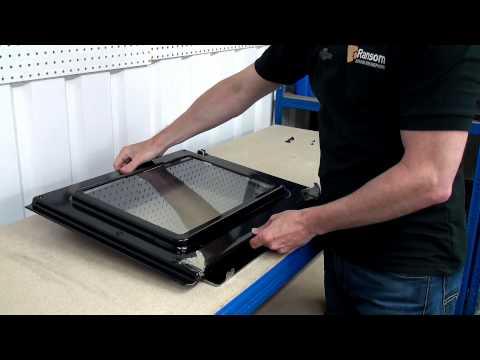 How to Replace Oven Door Hinges - Indesit