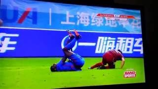 SHOCKING: Demba Ba suffers horrible leg break. Do not view if you're squeamish.