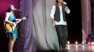 Ricardo Arjona  Fuiste tú con Gaby Moreno en vivo Guatemala 23/03/2013