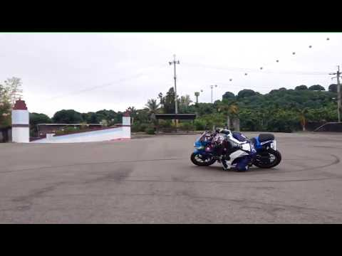 小阿魯磨手肘 GSX-R150 elbow dragging