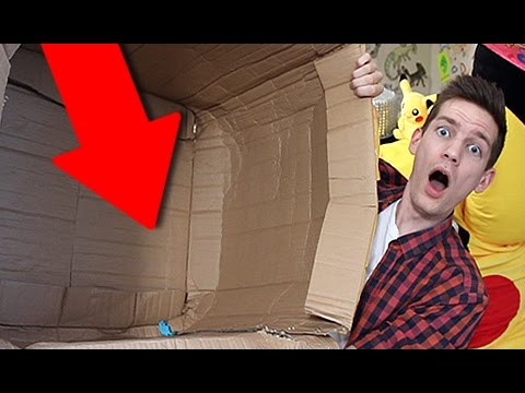 Mail Man Monday Ep #160 (I Mailed Myself in a Box!!)