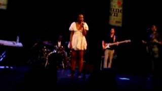 """Renee Neufville talks about Chris """"Daddy"""" Dave - Everything (Live Rotterdam 2010)"""