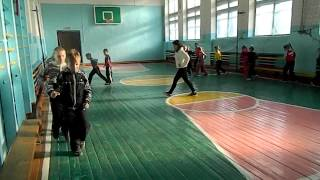 На уроке физкультуры.mp4