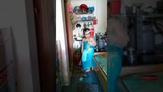 Bé Bảo Ngọc làm công chúa Elsa
