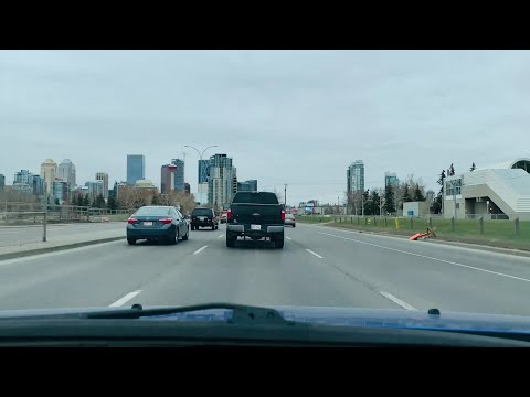 Calgary - Macleod Trail To Downtown