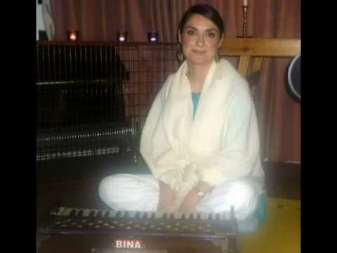 Chakrini Devi Dasi Kirtan - Hare Krishna Mahamantra