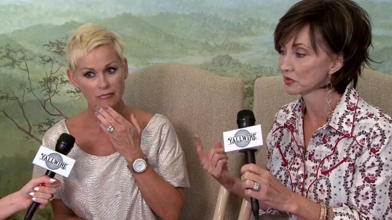 country legend diva's lorrie morgan and pam tillis collaborate for album