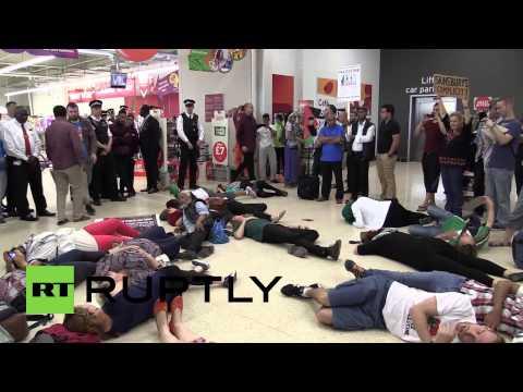 UK: Sainsburys swamped by Boycott Israel protesters