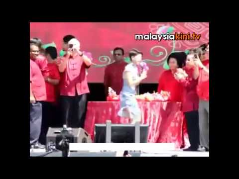 No Psy, BN left red-faced during yee sang toss Travel Video