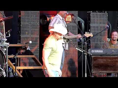 Trace Adkins - Whoop a Man's Ass / Hillbilly Bone