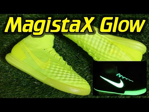 Nike MagistaX Proximo 2 Indoor (Floodlights Glow Pack) - Review + On Feet