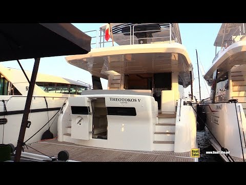 2019 Sirena Yachts 64 - Deck and Interior Walkaround - 2018 Cannes Yachting Festival