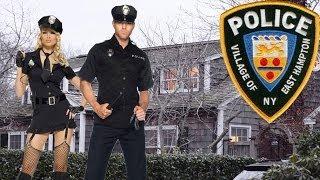 Полицейские пробрались в чужой дом, чтобы заняться сексом