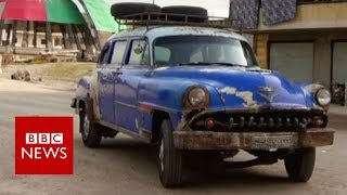 The 1950s car turning heads in Syria - BBC News
