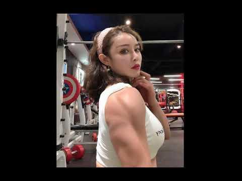 Юань Хэжун   девушка с кукольным личиком и грозным телосложением
