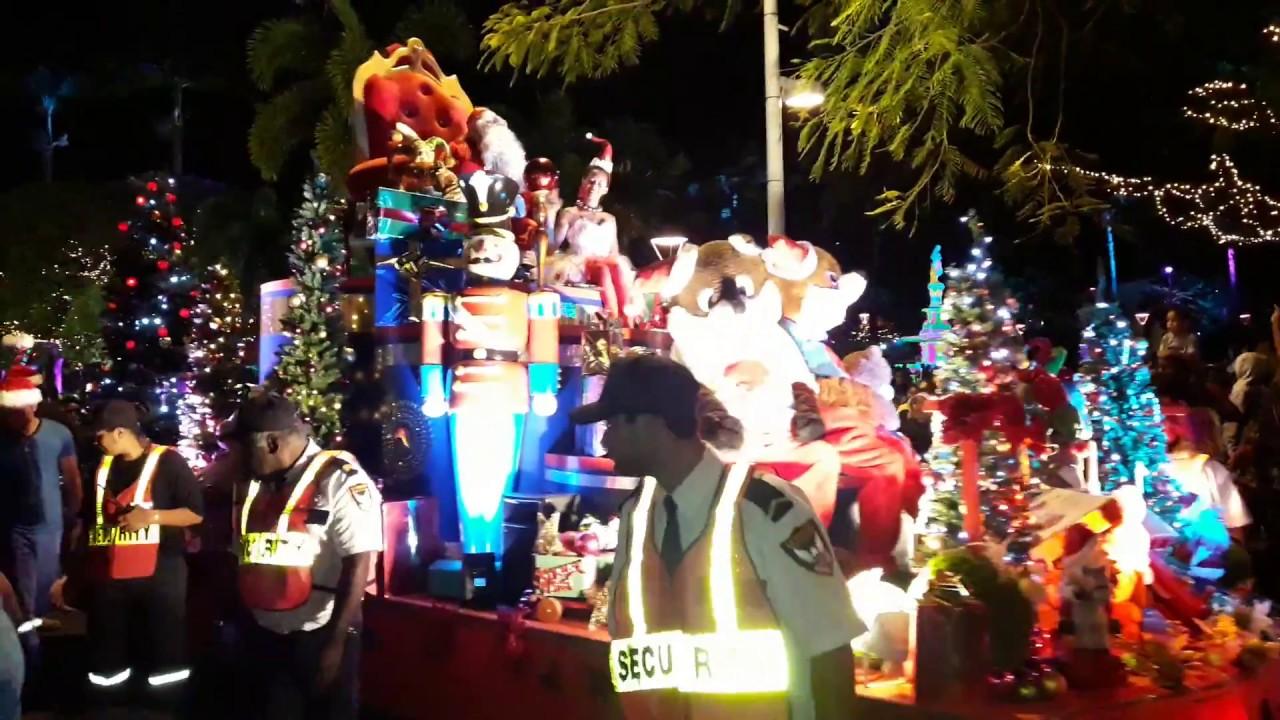 Père Noël Noumea-city 24/12/2016 - YouTube
