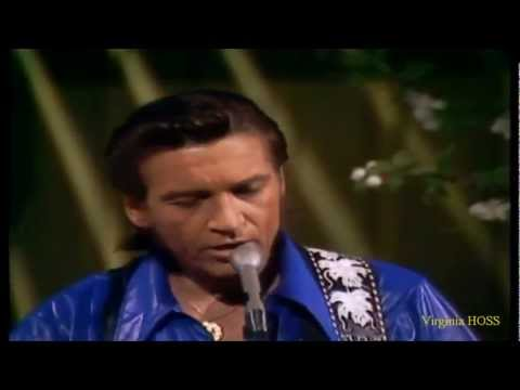 Young Waylon Jennings.. Loving Her Was Easier (VIDEO) - 1971