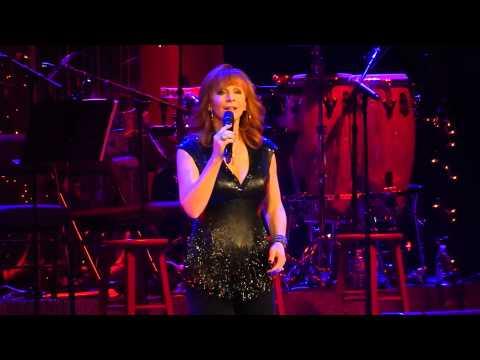 Reba - I'll Be Home For Christmas   Nashville Dec 20 2014