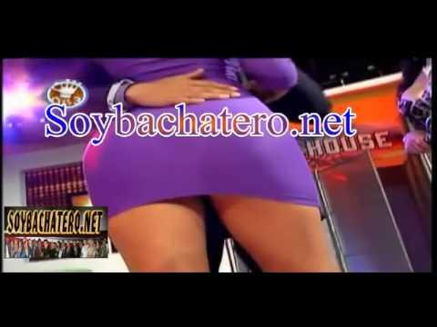 Presentadora 'ENSEÑA EL MOÑON' En Plena TV en el Programa de Masa 0 es 3