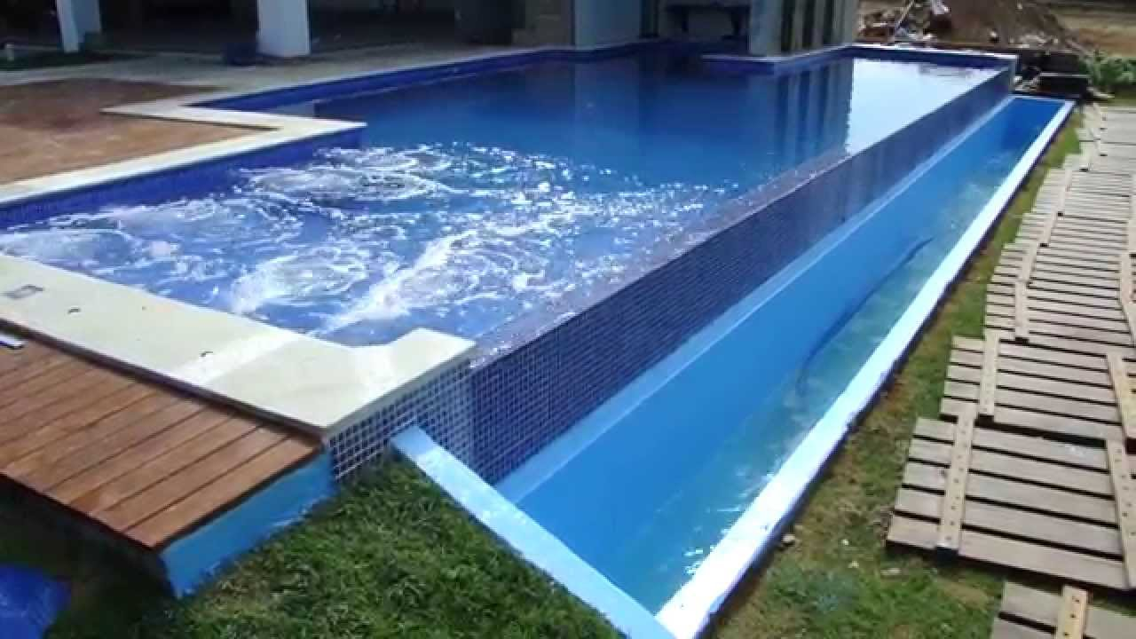 Piscina com revestimento em fibra de vidro youtube for Fotos de piscinas