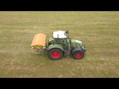 Kunstmest strooien 2021 -  Hoeve de Heuvel - Fendt 724 - grasland - Pelt - Parthenaise vleesvee