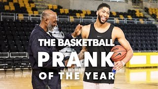 """Download The """"Mailman"""" Karl Malone Goes Undercover to Prank Anthony Davis Mp3 and Videos"""