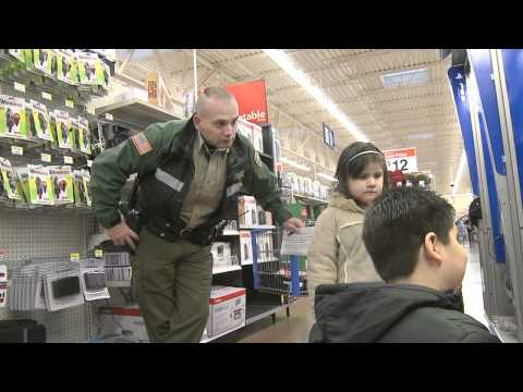 'Shop with a Cop' 2010 (Clackamas County Sheriff's Office)