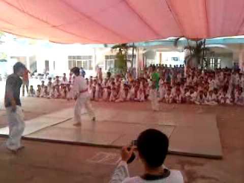 Biểu diễn đối kháng taekwondo sóc trăng.MP4