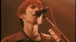 24th single 「夢追い虫」 発売日:2001年10月11日.