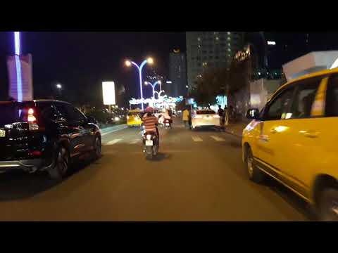 Dọc đường Trần Phú, Nha Trang về đêm