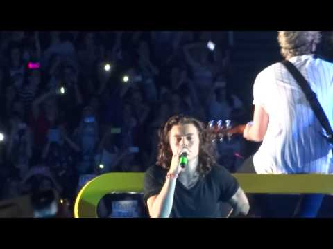 One Direction - Little Things - OTRA 7-2-15 Sydney HD
