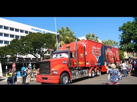 2015 V8 Supercars truck convoy - Darwin