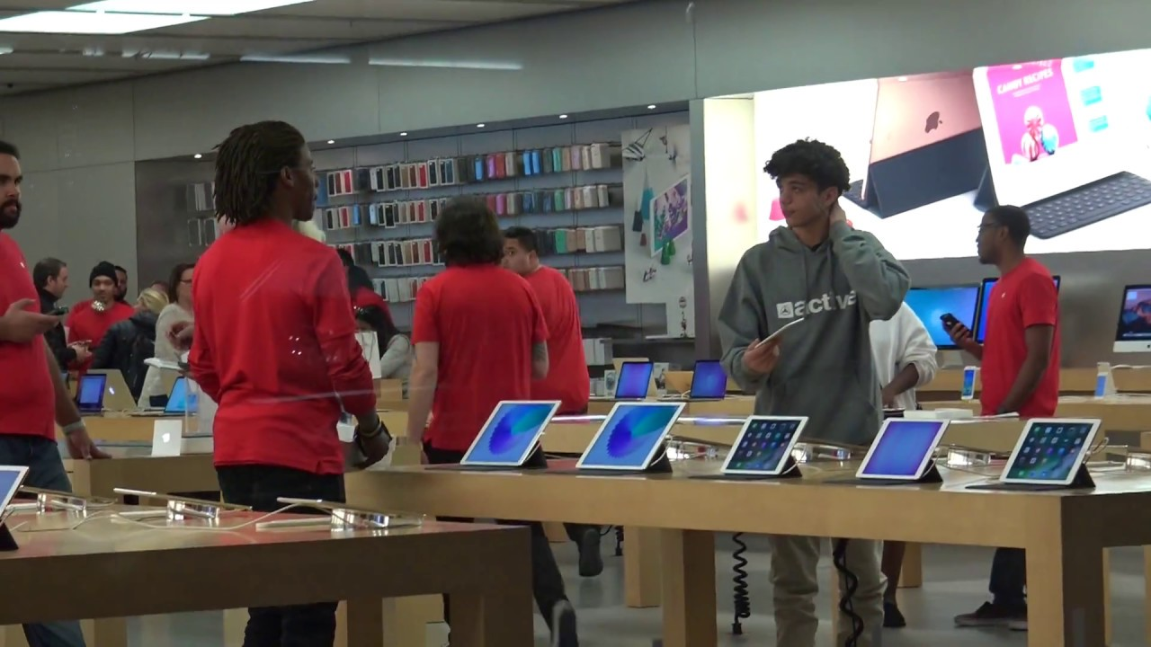 DROPPING NEW IPHONE 7 IN APPLE STORE PRANK!! - YouTube